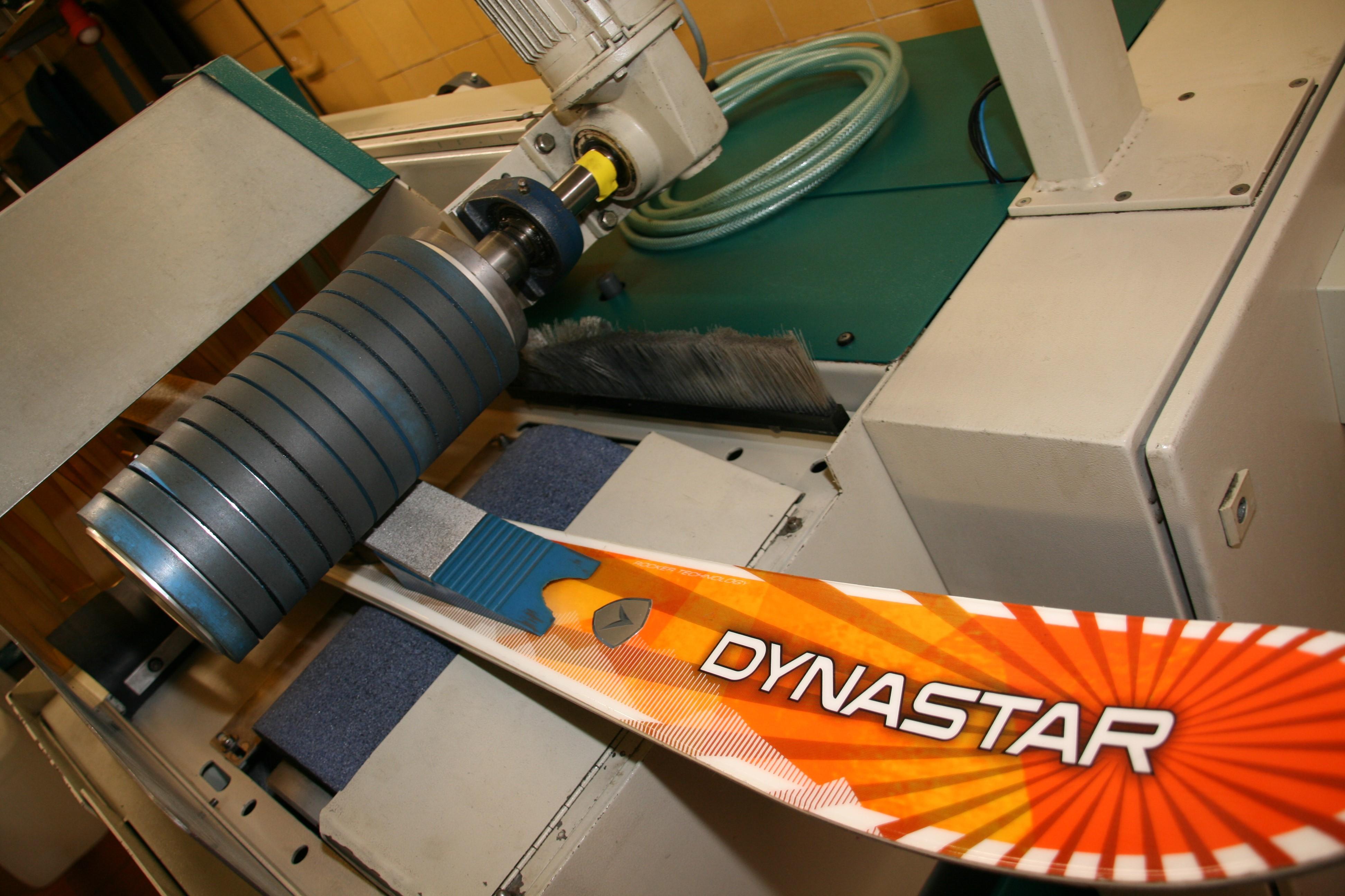 Montana Skiservice Maschine für Diamant Strukturschliff
